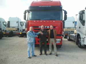 Francisco Javier recoge el Iveco Stralis 500