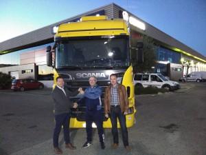 Juan Manuel recoge un Scania R500